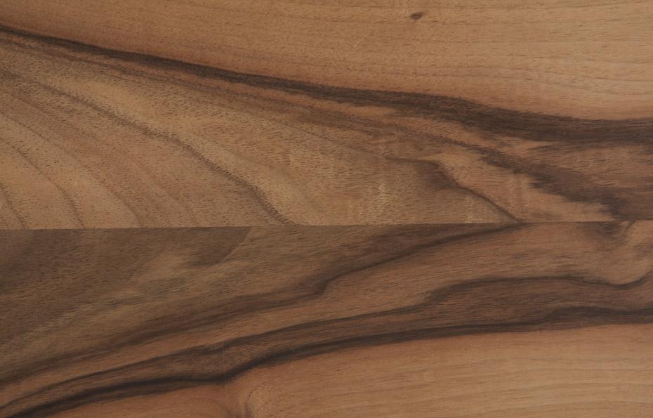 Europäischer Nussbaum, gedämpft, mit markanter Maserung
