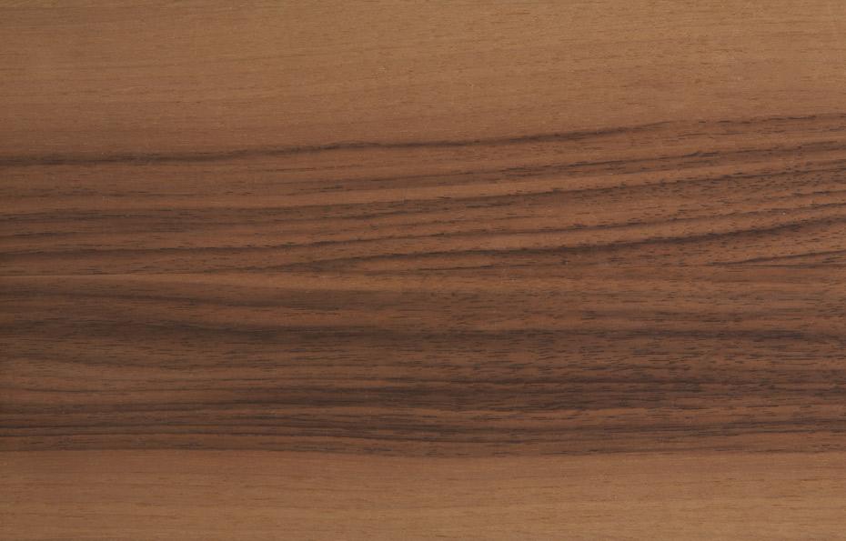Europäischer Nussbaum, gedämpft, mit gleichmassiger Maserung