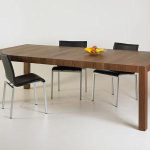 Vier-Fuss Tische