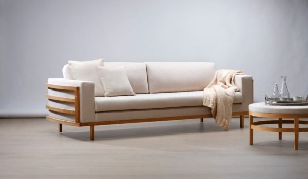 Sofa mit Massivholzrahmen «Malaun»