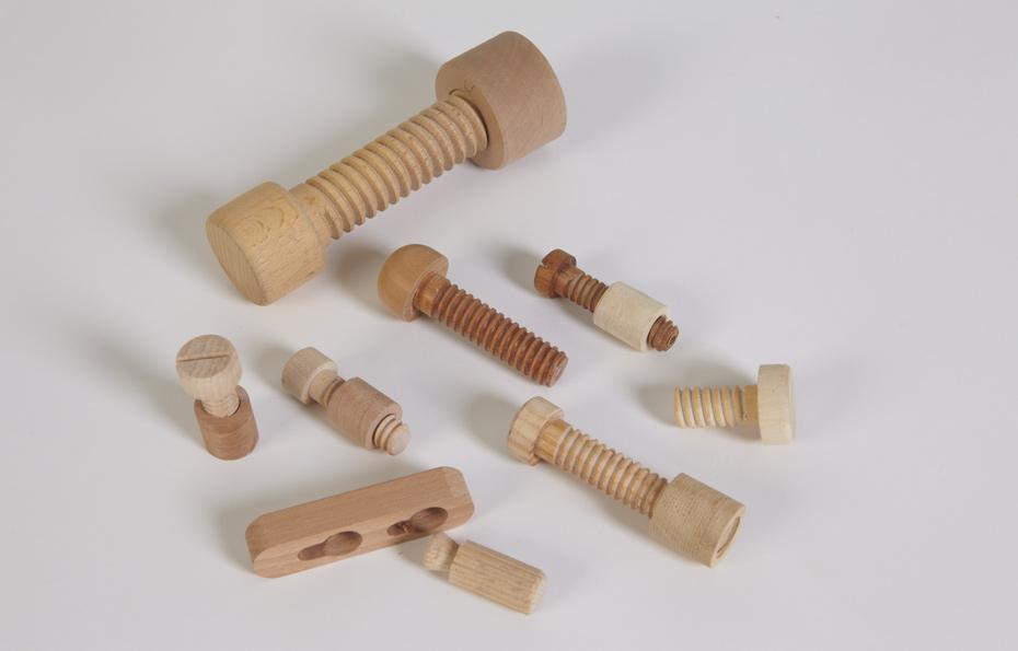 metallfreie-Holzverbindungen-und-Holzschrauben