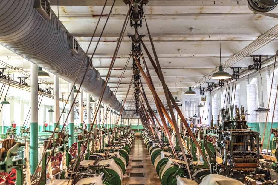 Produktionshallel für Baumwollverarbeitung, mit tradizionellem Riemenantrieb