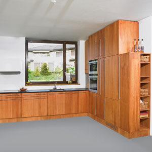 Birnbaum_Produktebeispiel_Massivholzküche