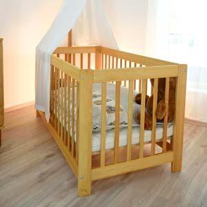 Produktebeispiel_Babybett-aus-Erlenholz